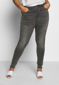 ONLY Carmakoma - CARAUGUSTA LIFE - Jeans Skinny Fit - dark grey denim - 0