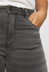 ONLY Carmakoma - CARAUGUSTA LIFE - Jeans Skinny Fit - dark grey denim - 4
