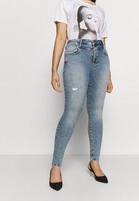 ONLY Carmakoma - CARRISSY  LIFE - Jeans Skinny Fit - light blue denim - 0