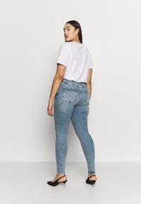 ONLY Carmakoma - CARRISSY  LIFE - Jeans Skinny Fit - light blue denim - 2