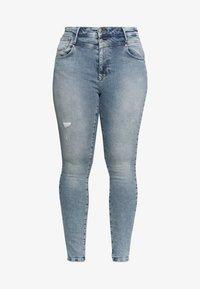 ONLY Carmakoma - CARRISSY  LIFE - Jeans Skinny Fit - light blue denim - 4