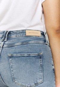 ONLY Carmakoma - CARRISSY  LIFE - Jeans Skinny Fit - light blue denim - 3