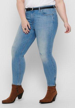 ONLY CARMAKOMA SKINNY FIT JEANS CURVY CARKARLA LIFE REG ANKLE ZI - Jeans Skinny Fit - light blue denim