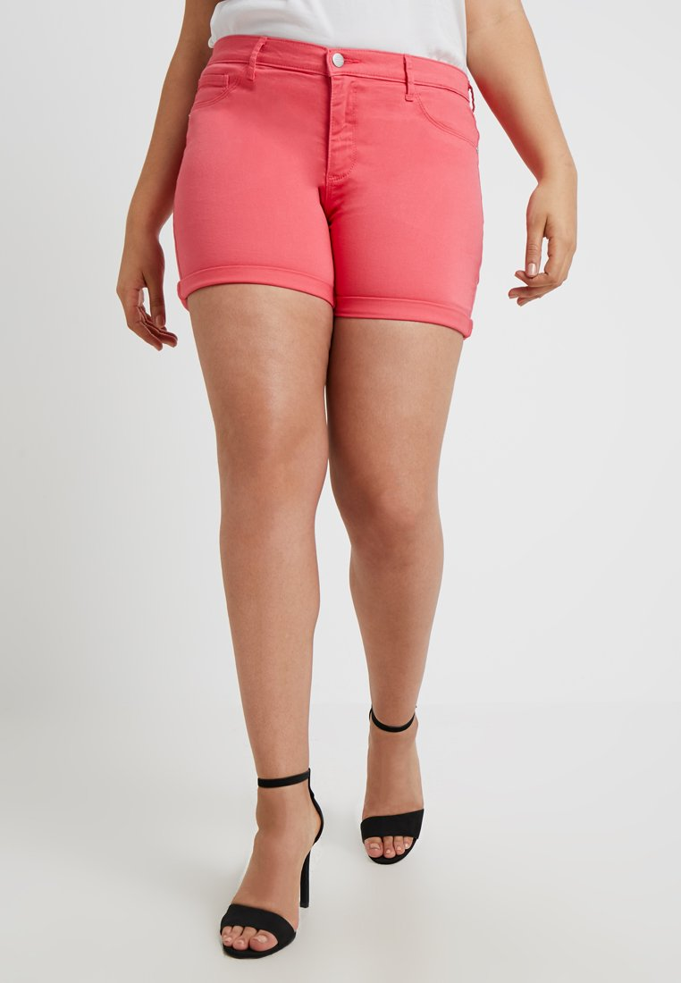 ONLY Carmakoma - CARTHUNDER PUSH UP COLOURS - Shorts di jeans - calypso coral