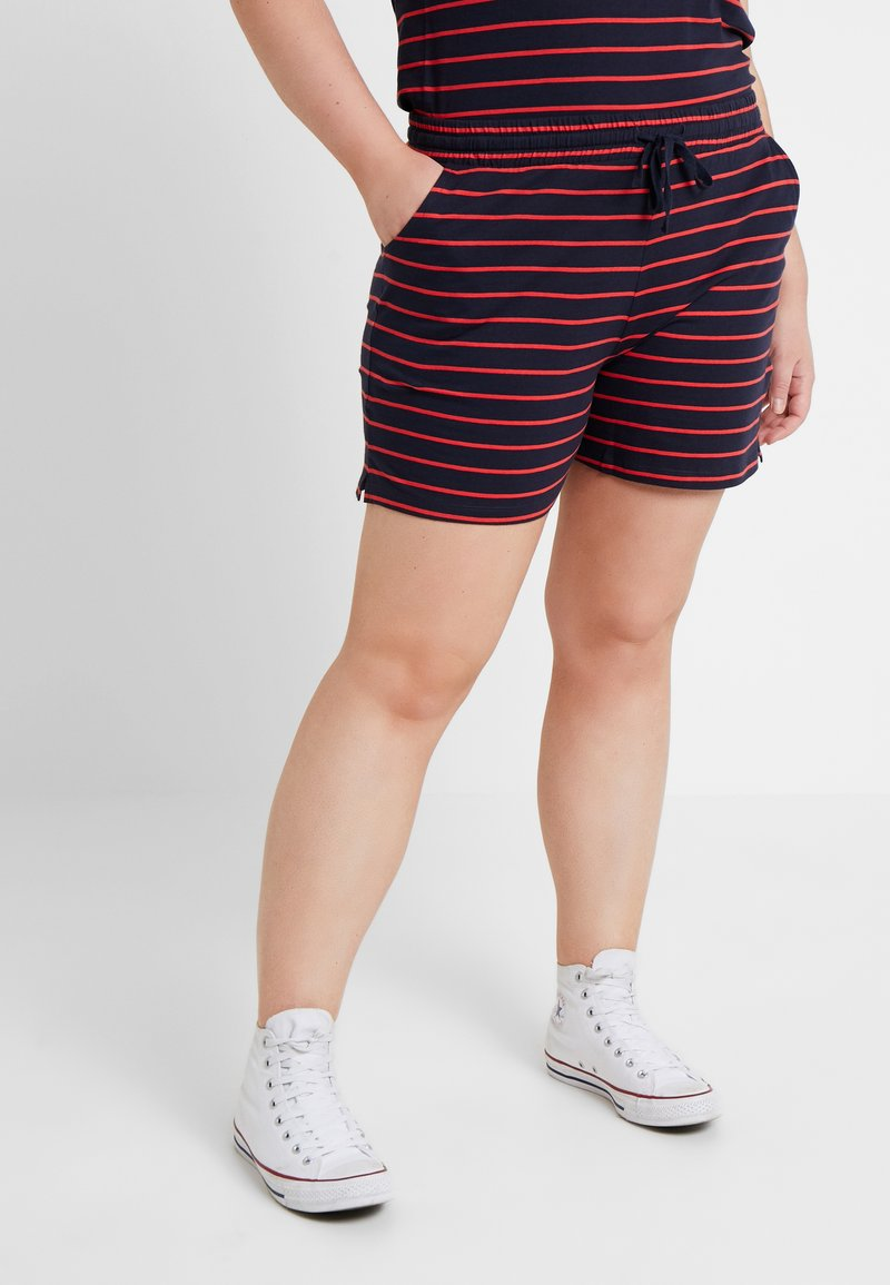 ONLY Carmakoma - CARSCAN - Shorts - night sky/flame scarlet