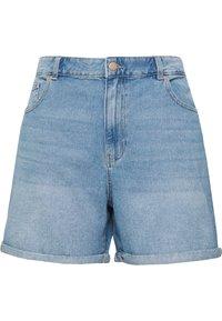 ONLY Carmakoma - JEANSSHORTS CURVY CARHINE REG - Shorts di jeans - light blue denim - 0