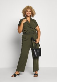 ONLY Carmakoma - CARTANNY - Jumpsuit - forest night - 1