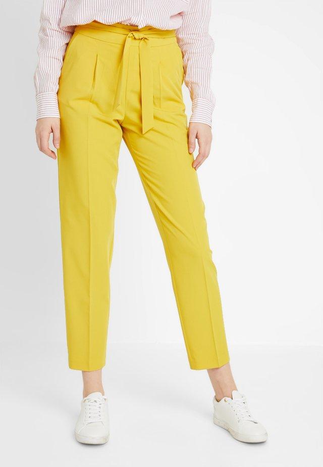 ONLANNYA BELT PANTS  - Trousers - lemon curry