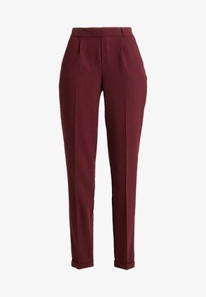 ONLFOCUS PANT MAT  - Trousers - tawny port