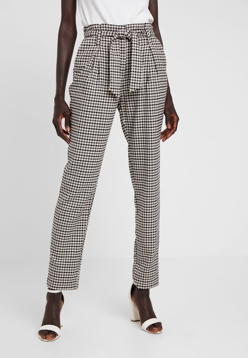 ONLY Tall - ONLLENA PAPERBAG PANTS - Pantalon classique - grape leaf/black/cream pink