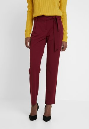 ONLCAROLINA BELT PANTS - Trousers - merlot