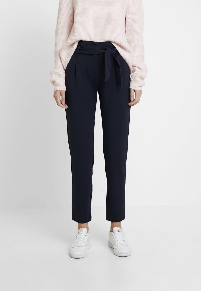 ONLY Tall - ONLCAROLINA BELT PANTS - Trousers - night sky