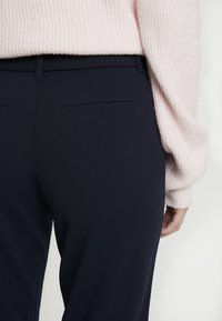 ONLY Tall - ONLCAROLINA BELT PANTS - Pantaloni - night sky - 5