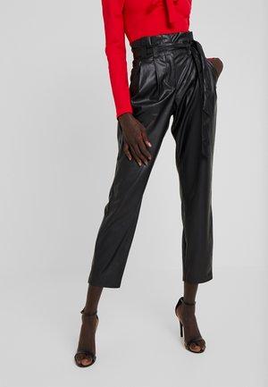 ONLNADIA PAPERBAG PANT - Bukse - black