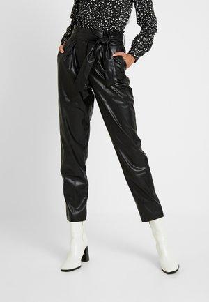 ONLGAIA VIOLA PABERBAG - Kalhoty - black