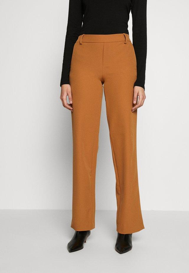 ONLSMASH PALAZZO - Trousers - chipmunk