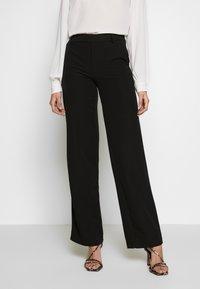 ONLY Tall - ONLSMASH PALAZZO - Pantaloni - black - 0