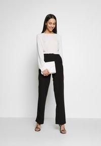 ONLY Tall - ONLSMASH PALAZZO - Pantaloni - black - 1
