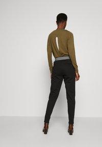 ONLY Tall - ONLANNY PANTS - Teplákové kalhoty - black - 2