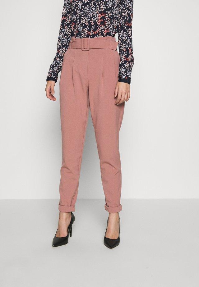 ONLSICA PAPERBAG PANTS - Pantalon classique - burlwood