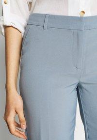 ONLY Tall - ONLVILDA ASTRID CIGARETTE PANT  - Bukse - faded denim - 4