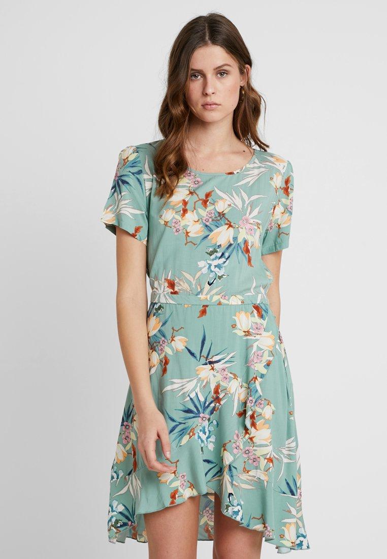 ONLY Tall - ONLNOVA FRILL DRESS - Vestito estivo - kentucky blue