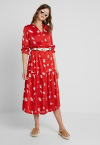 ONLY Tall - ONLGIZA DRESS - Vestito lungo - flame scarlet - 1
