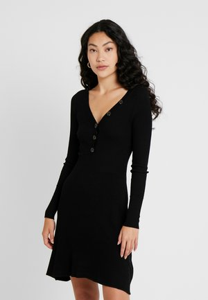ONLIZA DRESS - Stickad klänning - black