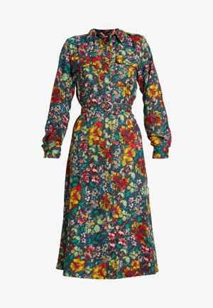 ONLREIGN DRESS - Košilové šaty - ombre blue