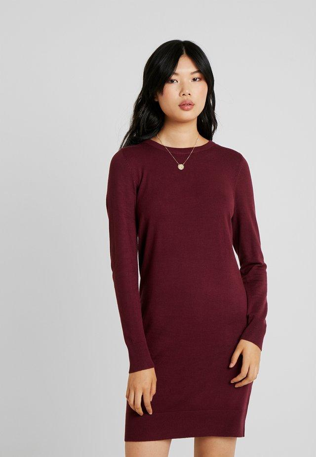ONLFRUA DRESS - Pletené šaty - burgundy