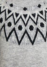 ONLY Tall - ONLTRINKA NORDIC DRESS - Gebreide jurk - light grey melange - 5
