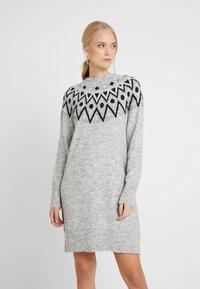ONLY Tall - ONLTRINKA NORDIC DRESS - Gebreide jurk - light grey melange - 0