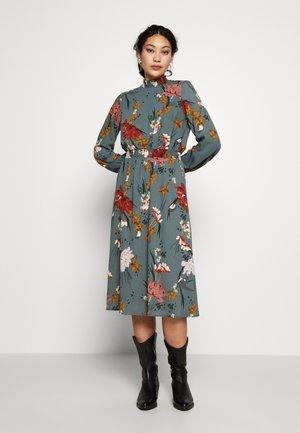 ONLELEONORA SMOCK DRESS - Vestido informal - balsam green