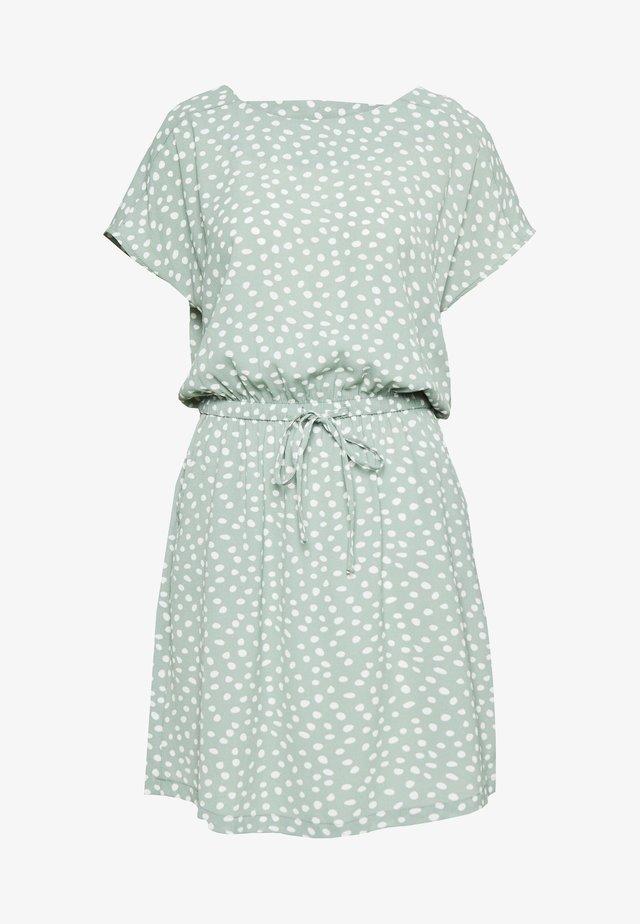 ONLMARIANA MYRINAS LIFEDEDRESSNOO - Korte jurk - chinois green