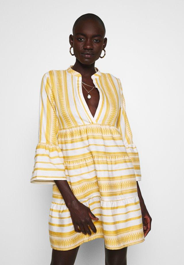 ONLSALLY ATHENA 3/4 DRESS TALL - Korte jurk - golden spice athena