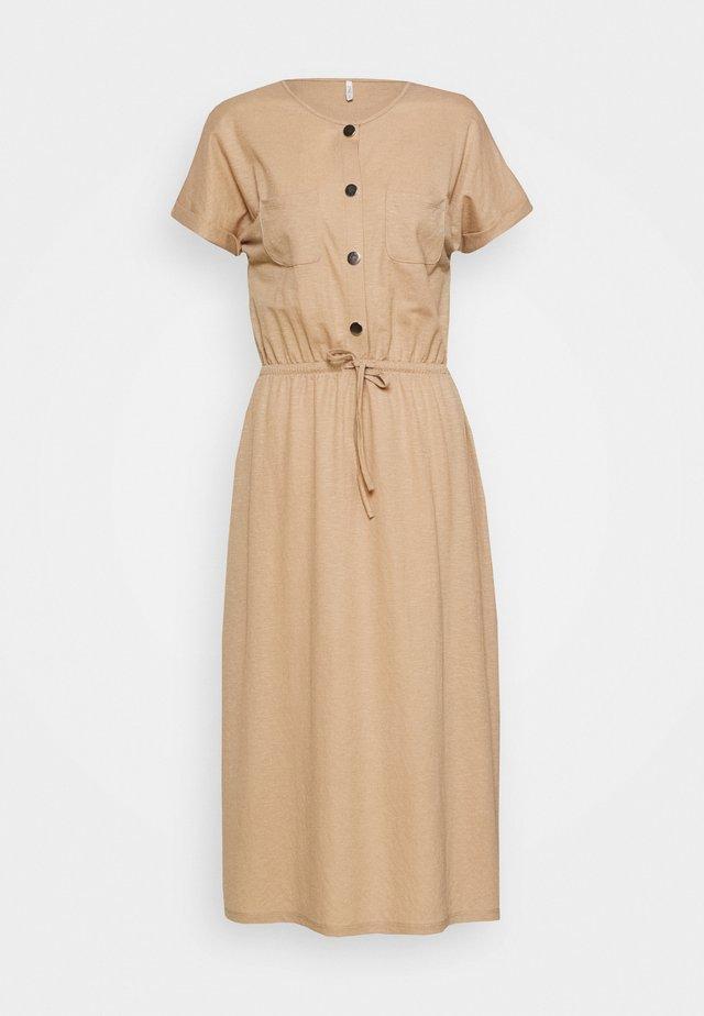 ONLNOMA  DRESS  - Vapaa-ajan mekko - humus