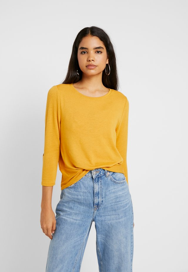 ONLTINNA  - Strickpullover - golden yellow