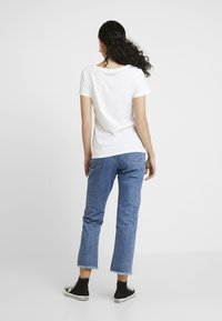 ONLY Tall - T-shirt con stampa - white - 2