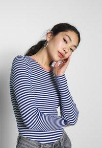 ONLY Tall - ONLTINEA O NECK - Long sleeved top - mazarine blue/cloud dancer/terra - 3