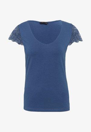 ONYFAITH V-NECK - T-shirts med print - vintage indigo