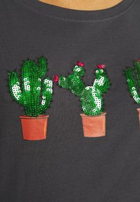 ONLY Tall - ONLKITA  - T-shirt print - periscope/cactus - 4