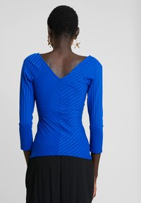 ONLY Tall - ONLGINA V NECK  - Top s dlouhým rukávem - surf the web - 2