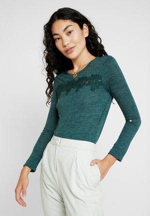 ONLCAMERA - T-shirt à manches longues - ponderosa pine