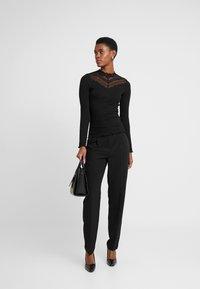 ONLY Tall - ONLAYA - Bluzka z długim rękawem - black - 1