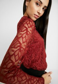 ONLY Tall - ONLDORA - Blusa - red pear - 4