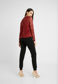 ONLY Tall - ONLDORA - Blusa - red pear - 2