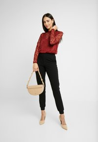 ONLY Tall - ONLDORA - Blusa - red pear - 1