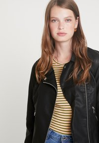ONLY Tall - ONYFILIPPA JACKET - Faux leather jacket - black - 3