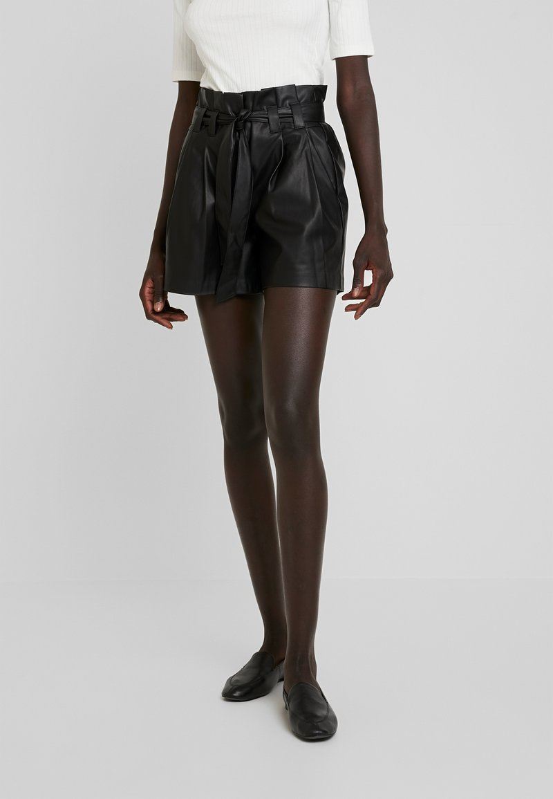 ONLY Tall - ONLNADIA PAPEBAG - Shorts - black