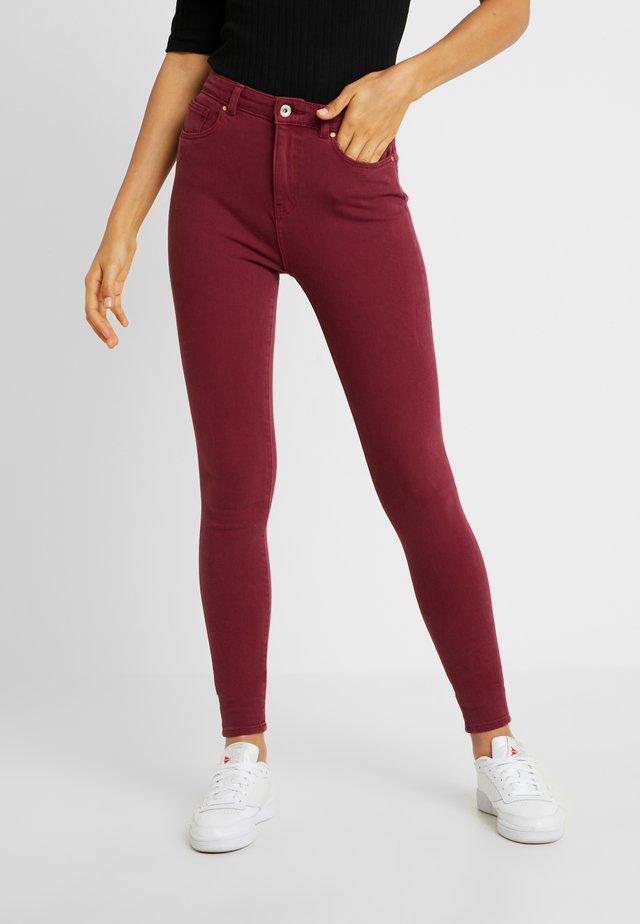 ONLFMILA - Jeans Skinny Fit - tawny port